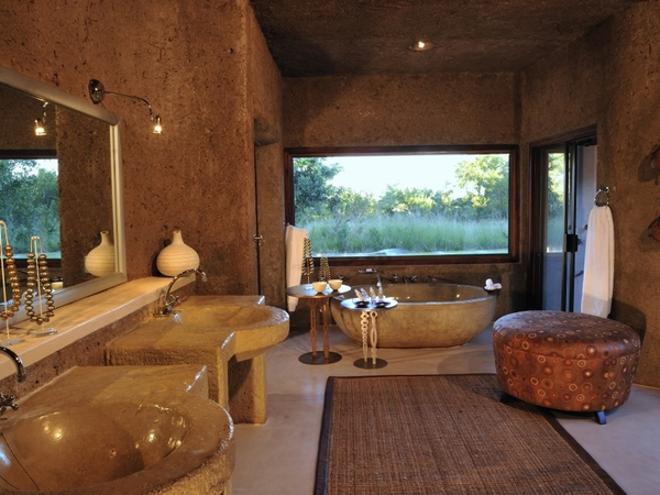Large_earth_lodge_-_7__amber_suite_bath_