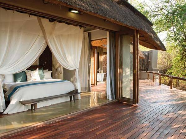 Large_bedroom-at-madikwe-private-game-lodge