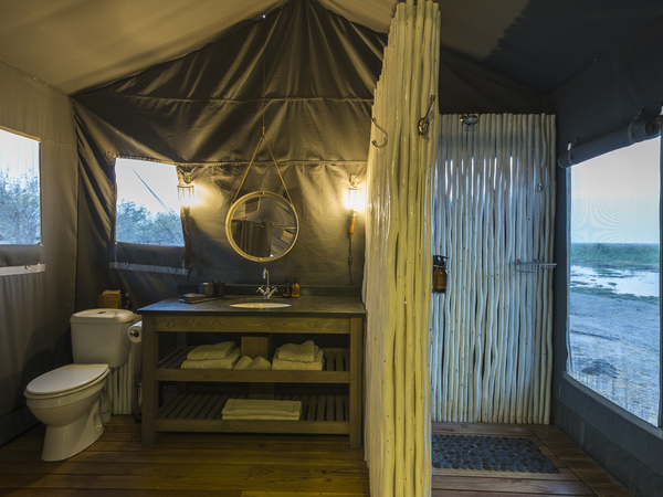 Large_linyanti_tented_camp_-_2