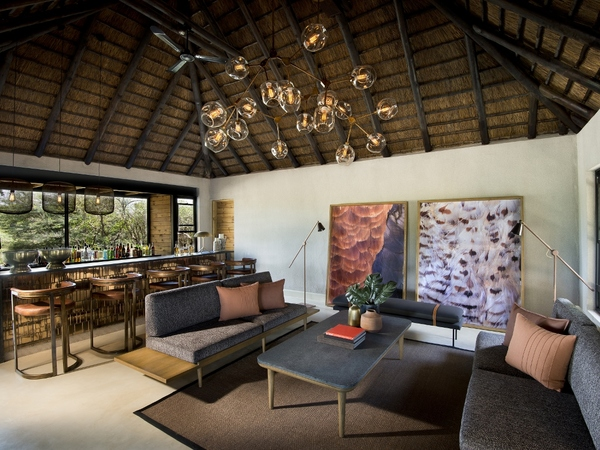 Large_lion_sands_ivory_-_16_bar_lounge
