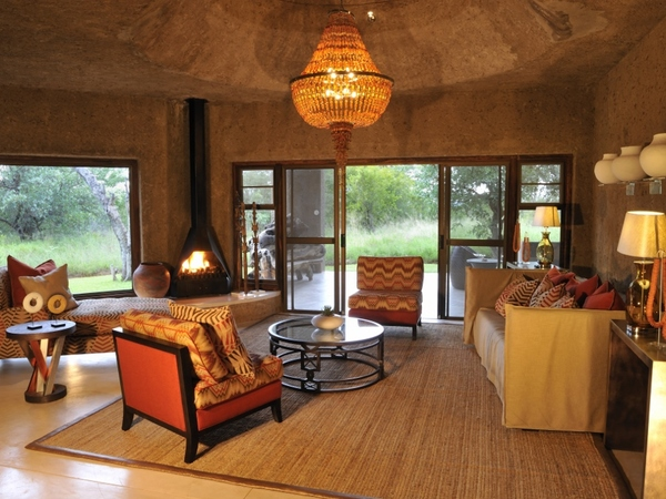 Large_earth_lodge_-_8__amber_suite_