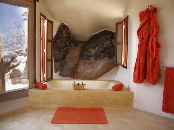 Large_saruni-samburu-bathroom