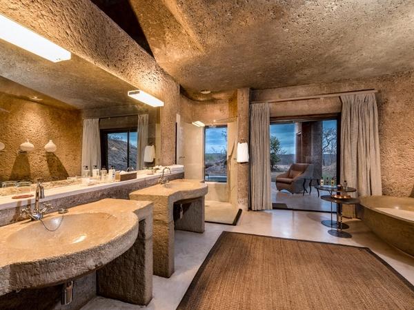 Large_earth_lodge_-_3__lux_suite_bath_