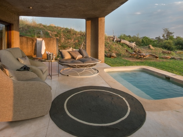 Large_earth_lodge_-_4__lux_suite_patio_